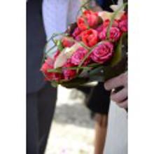 bouquet-tulipanes-rosas-y-calas